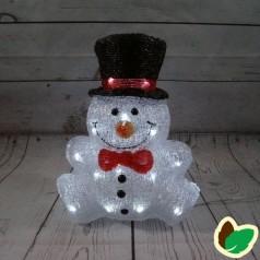 Snemand sidder 30 cm. - Akryl LED Julebelysning