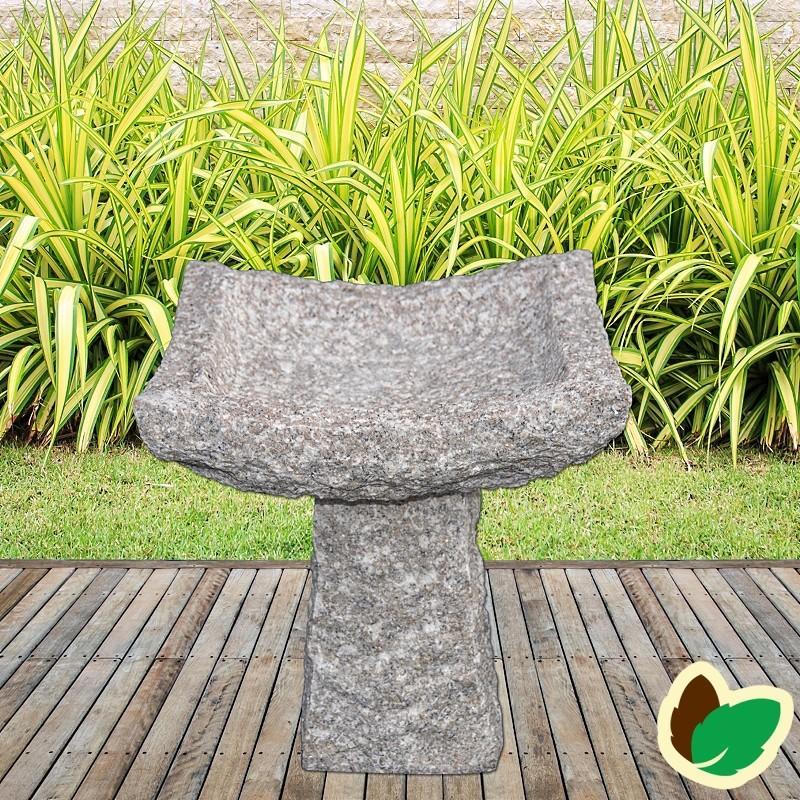 Fuglebad 4-kantet på sokkel - granit